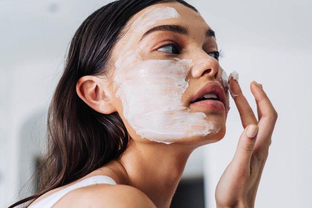 Утром, днем и на ночь: правильная последовательность процедур ухода за кожей для подростков (легко и просто)