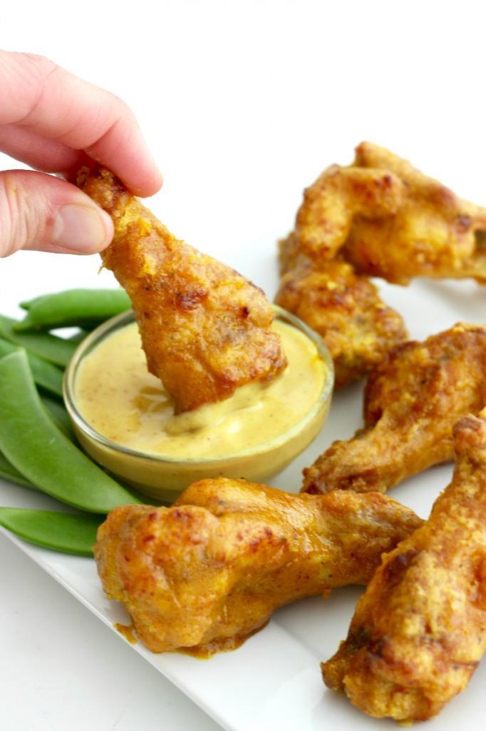 Не любила жареные крылья, пока не узнала про рецепт в духовке. Они нежирные, но очень вкусные