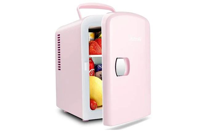 Какие средства по уходу за кожей следует хранить в холодильнике. Топ-10 крошечных агрегатов