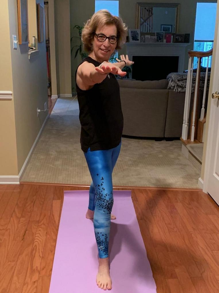 Секрет красивых ног у каждой свой: зарубежные бьюти блогеры рассказали, какие упражнения и привычки помогают им достичь собственного идеала