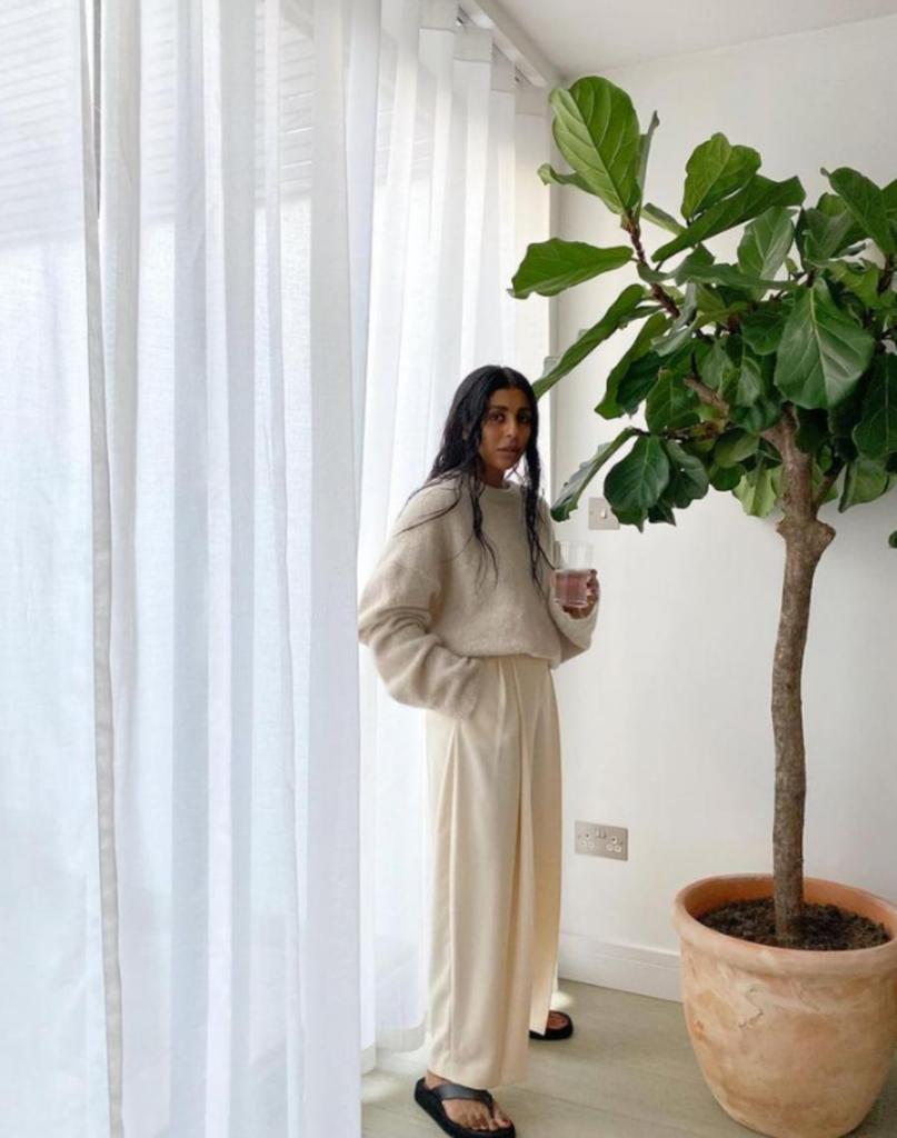 Зимний гардероб: тренды январской моды для тех, кто выходит из дома в локдаун