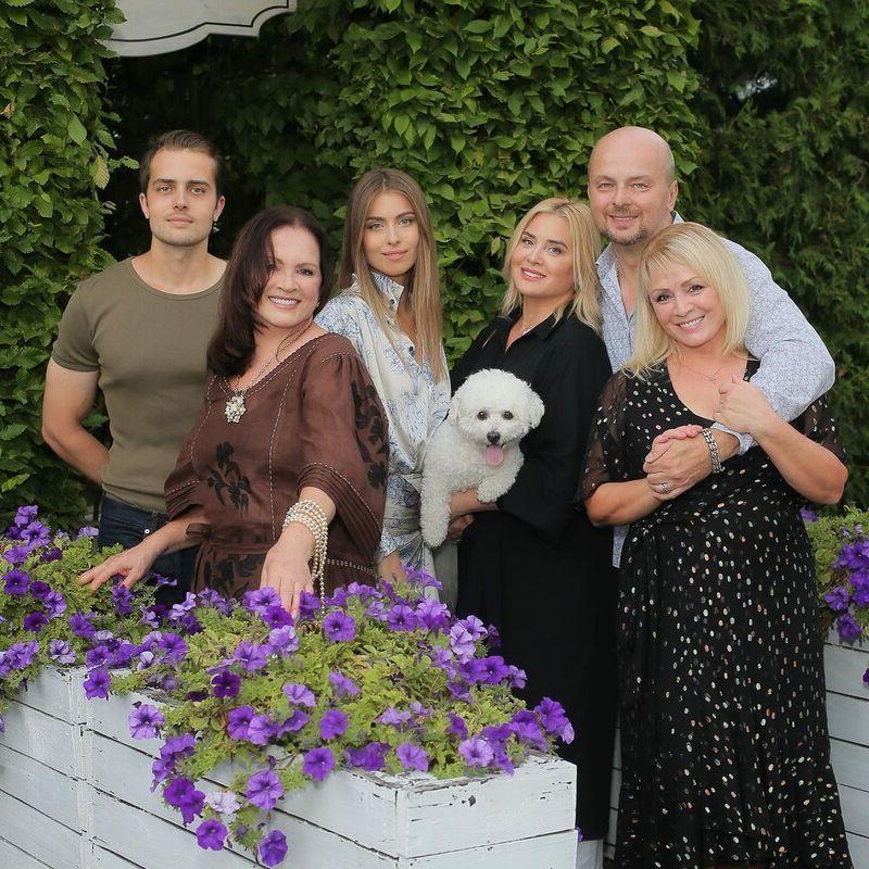 Внучка Софии Ротару поделилась фото со своим избранником-миллионером
