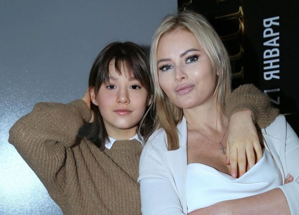 Дана Борисова показала свою 13-летнюю дочь, с которой ей удалось наладить отношения (новые фото)