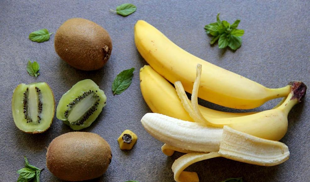 Мне очень нравятся фруктовые сорбеты, но из киви и банана с мятой – самый любимый. Рецепт