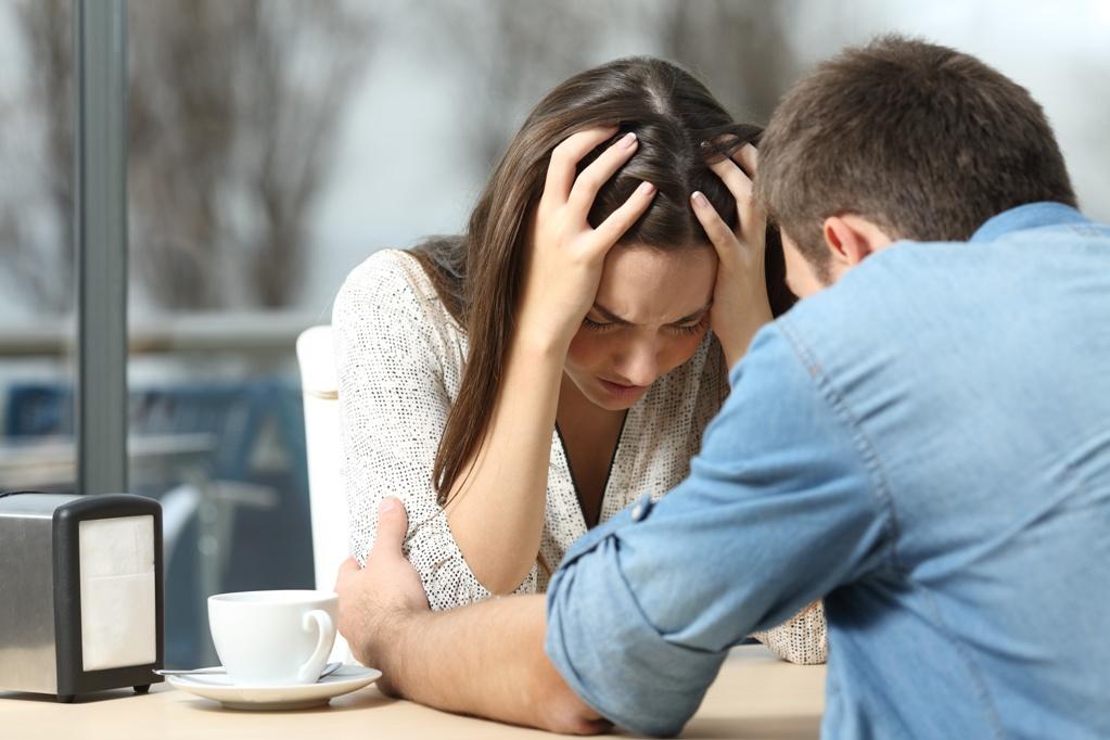 После 19 лет брака Анна узнала, что у мужа есть другая. Женщина рассказала, как оставаться счастливой после развода