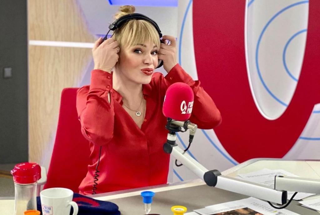 Власть и сила : Алла Довлатова рассказала, почему предпочитает красный цвет в одежде