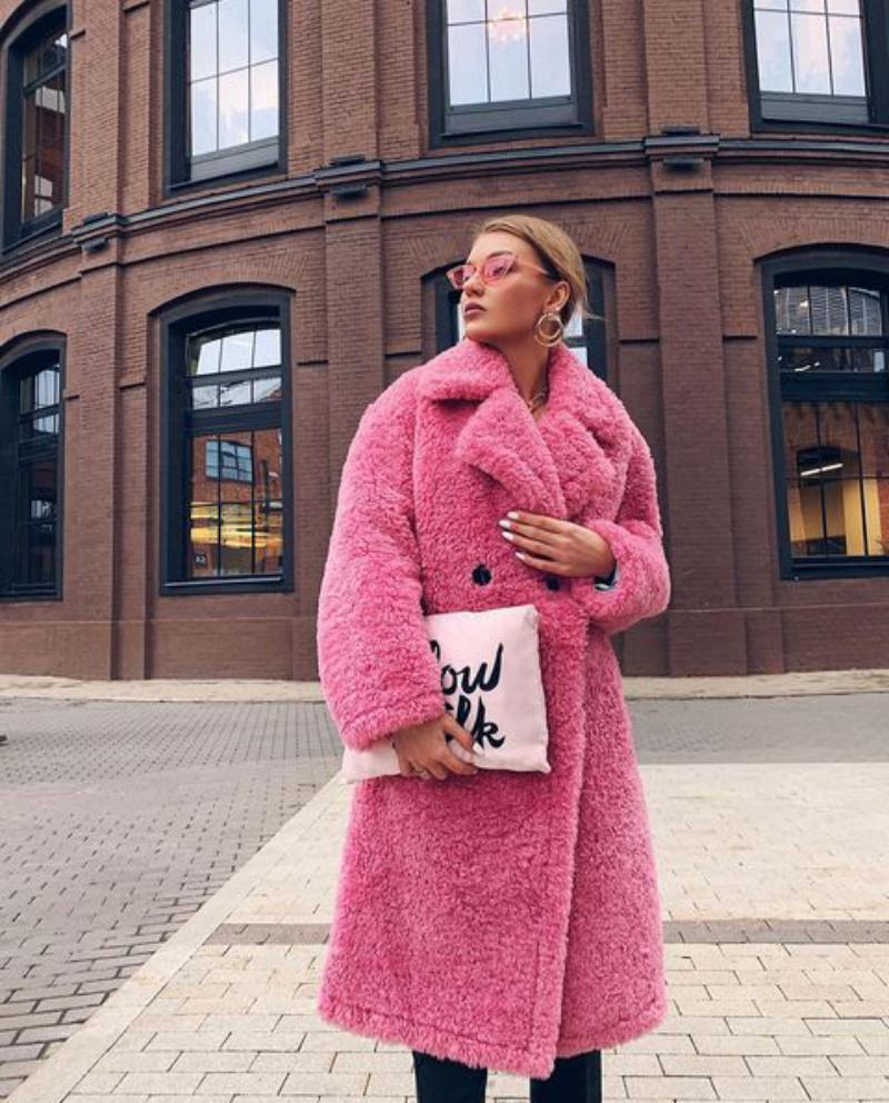 Подбираем правильный оттенок: как носить розовый зимой 2021, чтобы выглядеть стильно