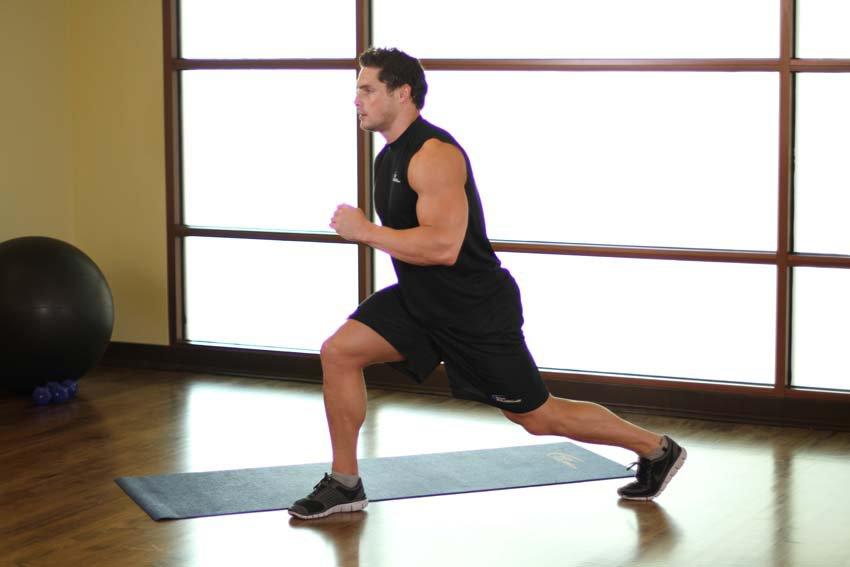 Худеем, не выходя из дома: 4 простых упражнения, которые помогут скинуть лишние килограммы после новогодних праздников