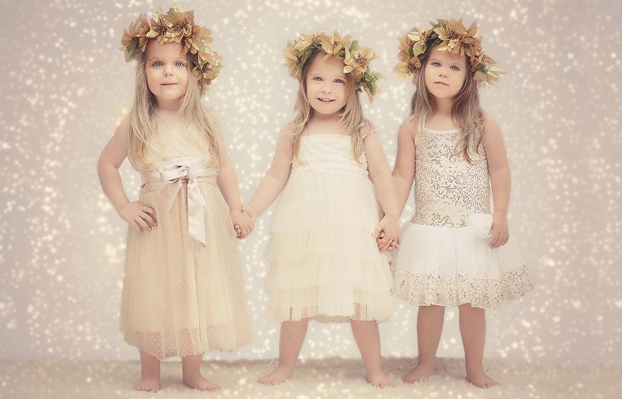 Мама снимала хронику, как растут ее дочки тройняшки   получился милый фотоальбом