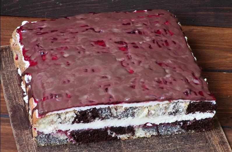 Торт с маком и смородиновым вареньем делаю всегда, когда хочу порадовать родителей: рецепт из моего детства