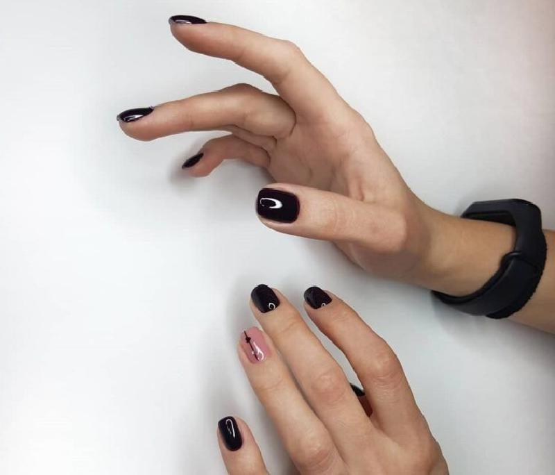 Лаконичный, но запоминающийся маникюр для ногтей разной длины и формы: вооружаемся модными идеями