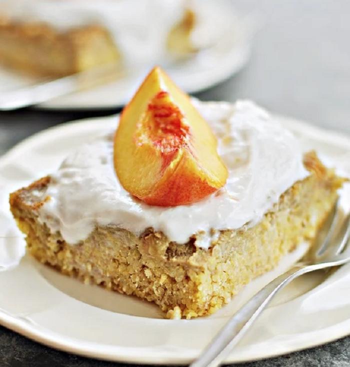 Без сахара и без глютена - настоящий веганский пирог с персиками: фрукты можно брать консервированные или заменять на яблоки