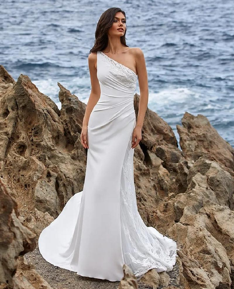 Уж замуж невтерпеж: актуальные тренды свадебных платьев на 2021 год