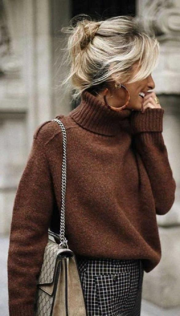 Какие свитера будут в тренде этой весной: подборка модных фасонов и оттенков