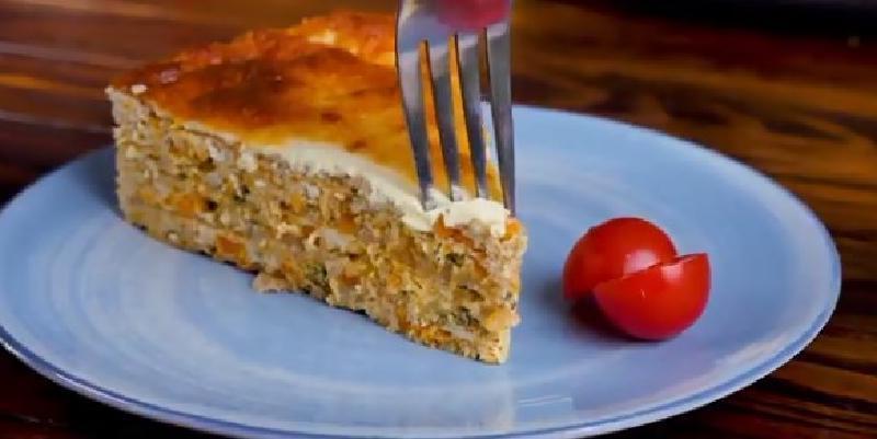 Куриный торт на основе вафельных коржей: простые ингредиенты. Даже руки тестом пачкать не надо