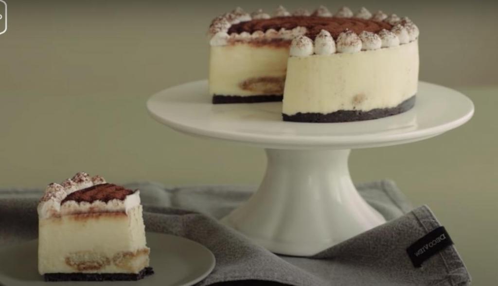 Десерт, простой в приготовлении и изумительнейший на вкус: домашний торт  Тирамису  из сливочного сыра
