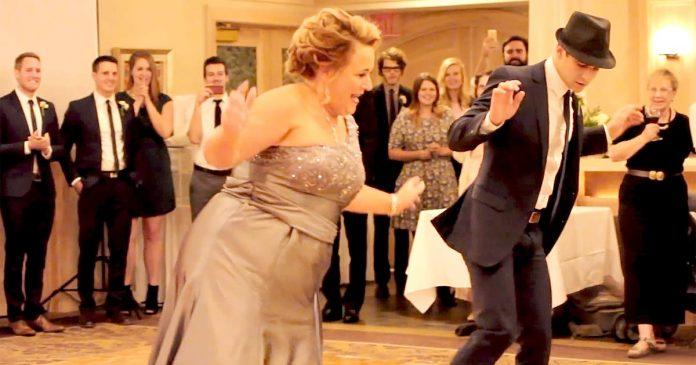 Мама жениха покорила зрителей своим восхитительным танцем.