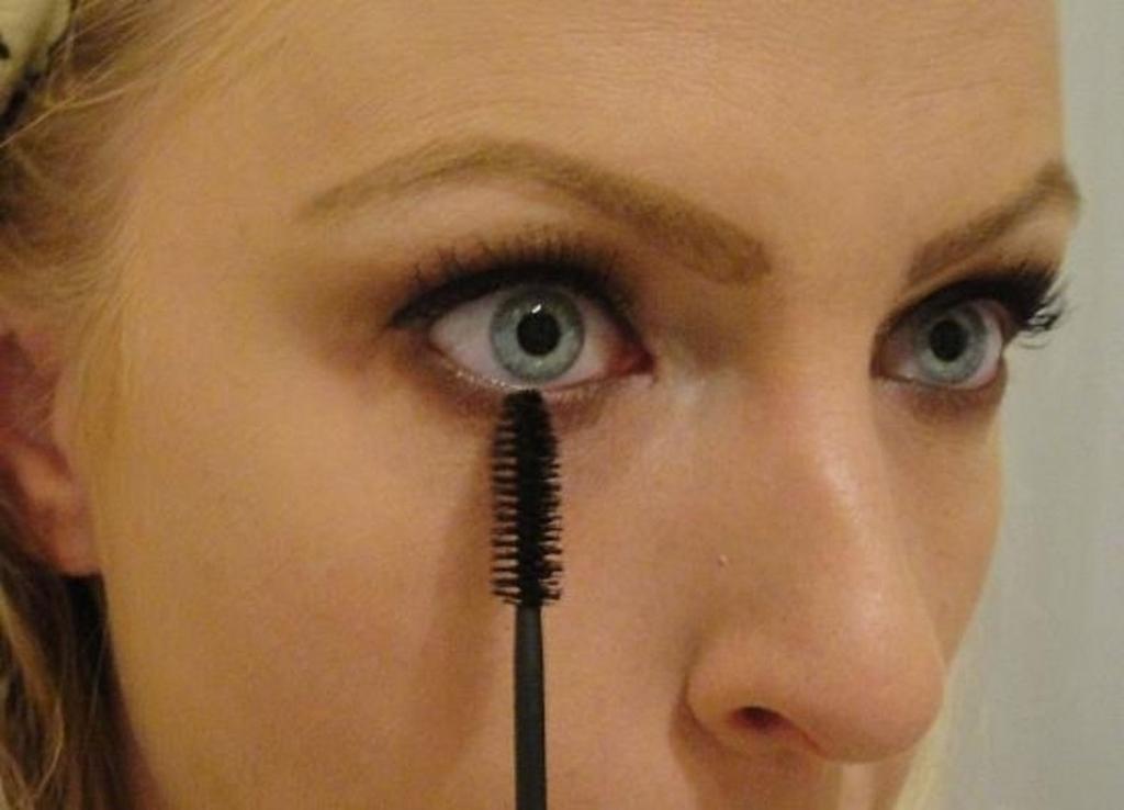 Нижние ресницы: красить или нет? 4 случая, когда этого точно нельзя делать, чтобы лицо не выглядело глупо или вульгарно