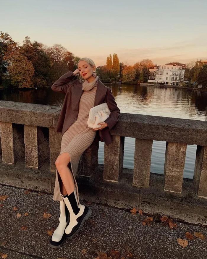 Раньше это казалось странным, а теперь - хит: как носить весной грубые сапоги и ботинки с женственными платьями и юбками (советы)