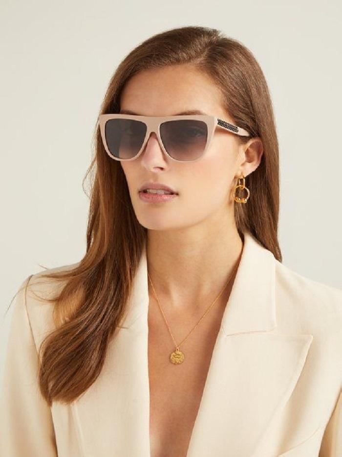 Квадратная форма в стиле 70-х и другие модели солнцезащитных очков, которые будут в тренде этой весной и летом