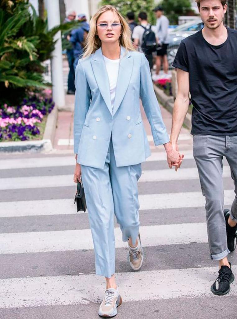 Baby Blue   один из самых трендовых цветов 2021: как и с чем носить модный голубой оттенок