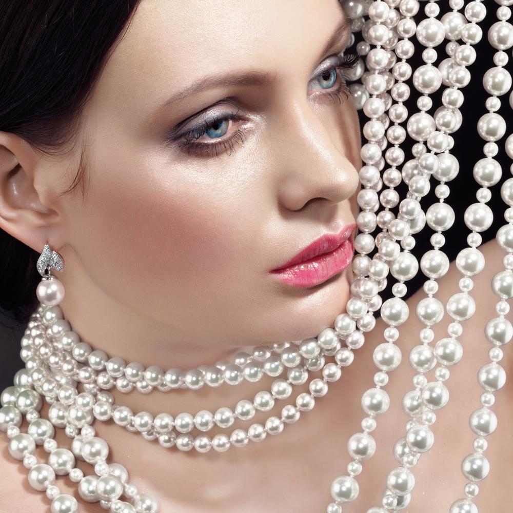 Зачем женщинам носить ожерелья и кто, согласно древним писаниям, обязан покупать им украшения