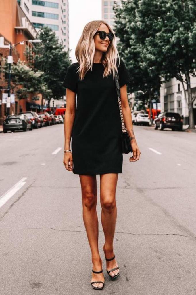 Цвет, который так любим дамами за 30: как носить черные наряды, чтобы не выглядеть старше