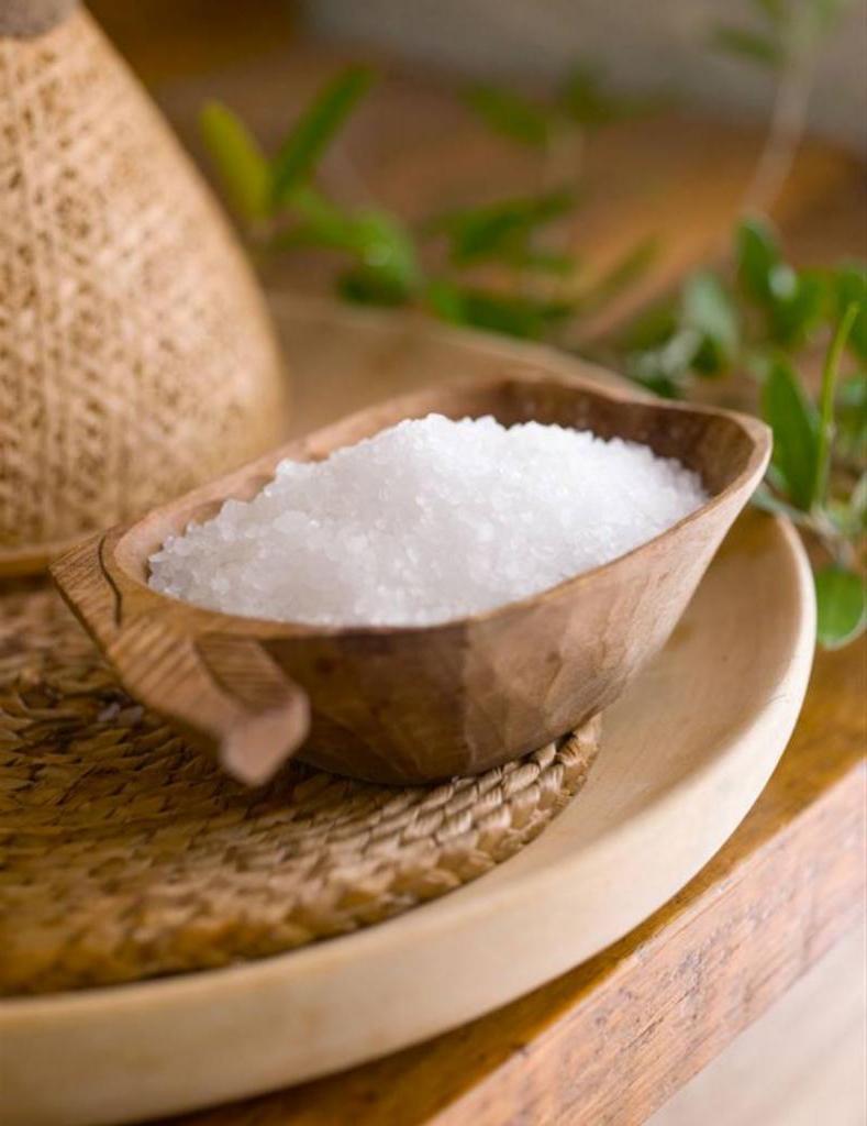 Почему в доме всегда должно быть много соли: 8 идей ее применения в быту