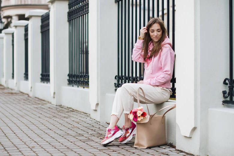 Ставка на комфорт: спортивная элегантность одежды и другие весенние советы от польского стилиста