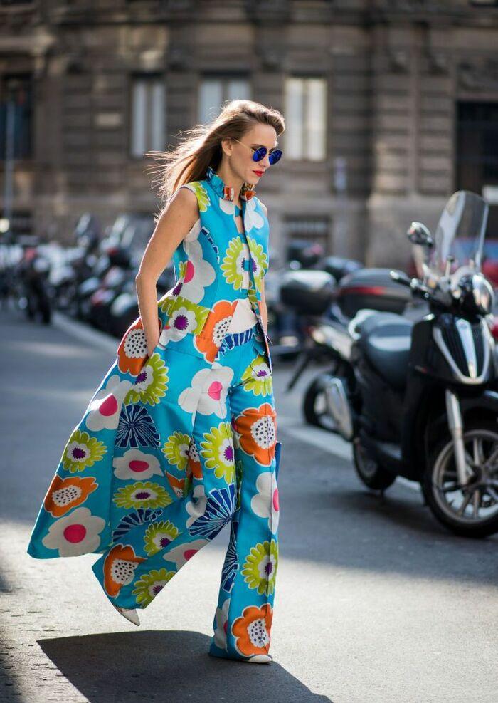 Жилет 70-х с цветочным принтом в стиле хиппи снова в тренде: модные модели 2021
