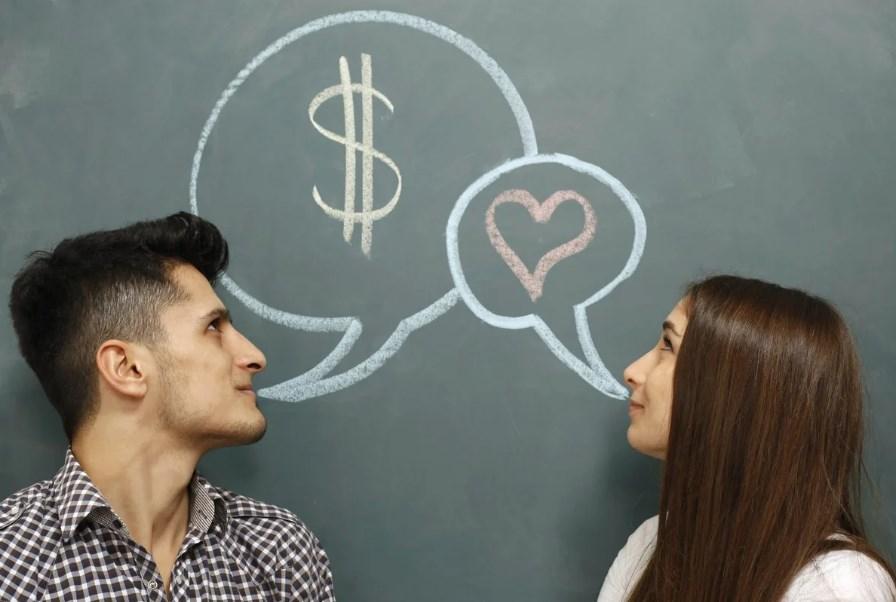 Истинные романтики: знаки зодиака, для которых любовь важнее денег