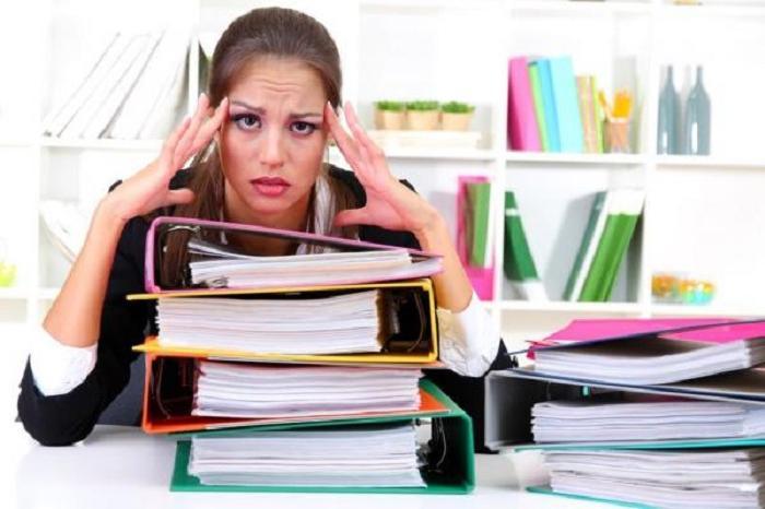 «Работу ненавижу, но бросить не могу». Как сохранить позитивный настрой: заменить «я должен» на «я хочу» и другие советы