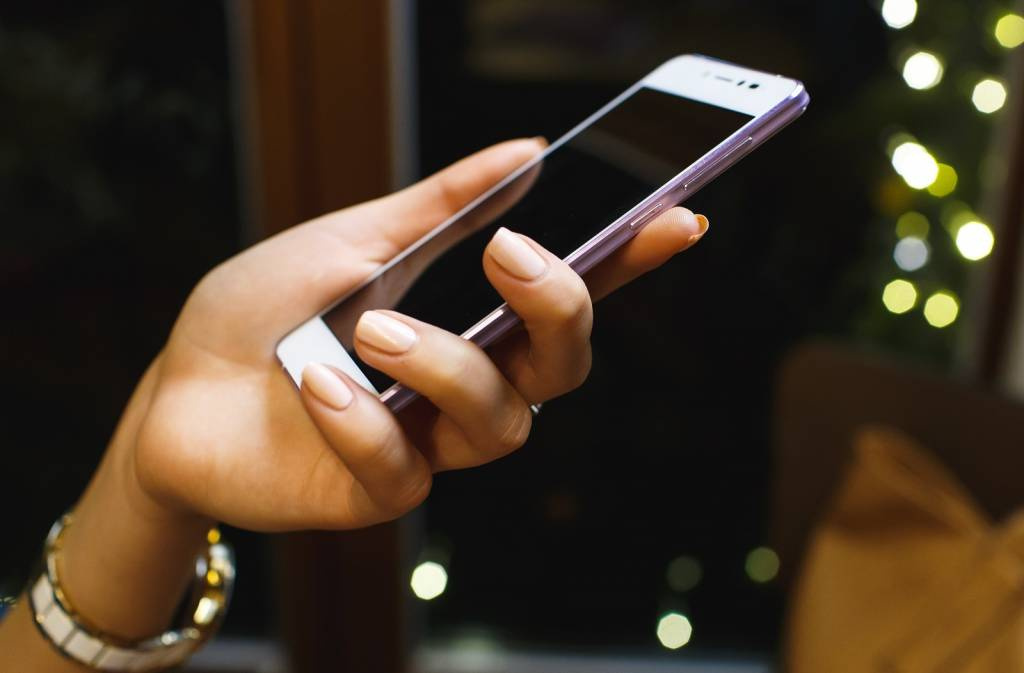 Россияне пользуются новым смартфоном в среднем один год: как купить гаджет с рук и не допустить ошибок