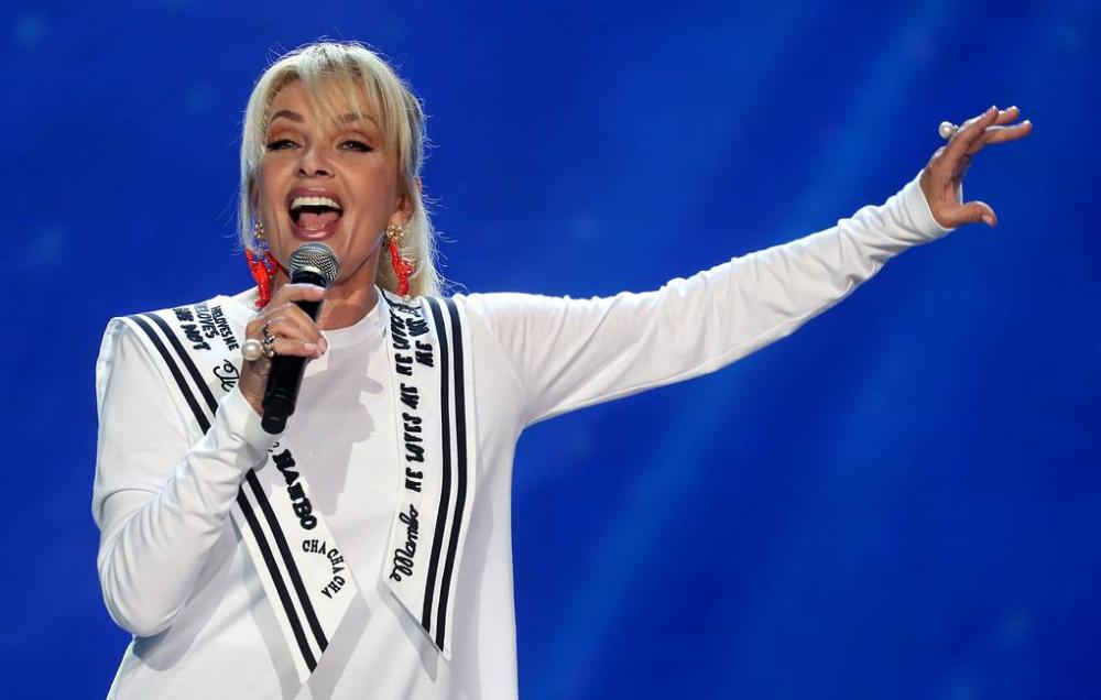 Стилист Руслан Громов назвал тройку самых стильных дам отечественного шоу-бизнеса старше 60, с которых можно брать пример
