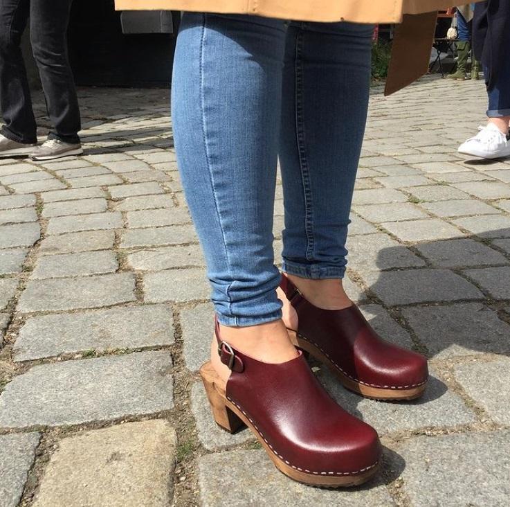 Сабо снова в моде: ретро обувь 1970 х возвращается этим летом
