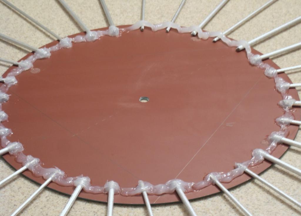 Как из простого круглого зеркала сделать красивые стильные часы. Затраты минимальные и инструкция простая