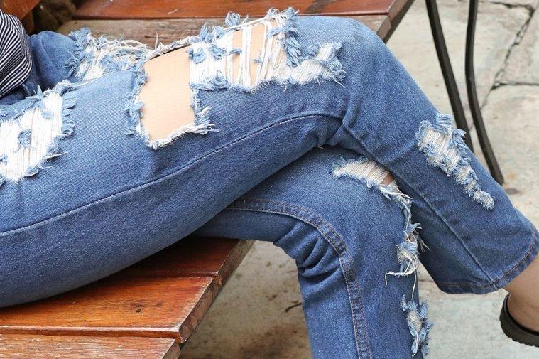 Всему виной война: как вошли в моду рваные джинсы