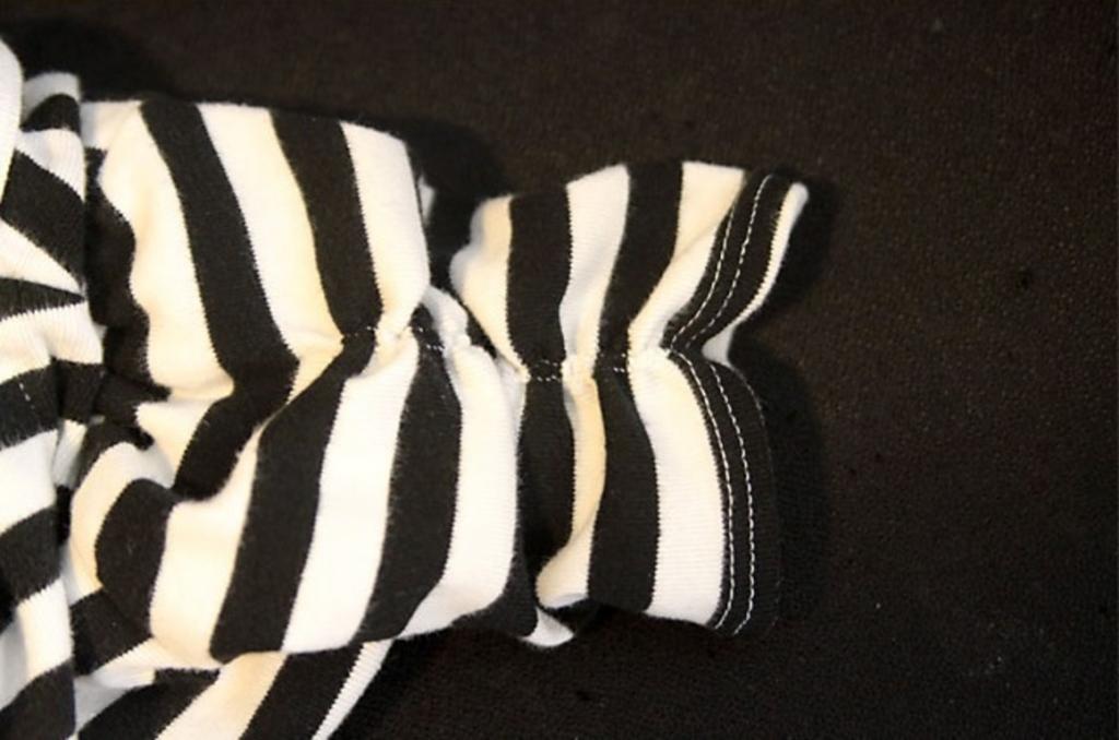 Как укоротить рукава на кофточке очень простым способом. Отличный вариант на лето, и смотрится мило