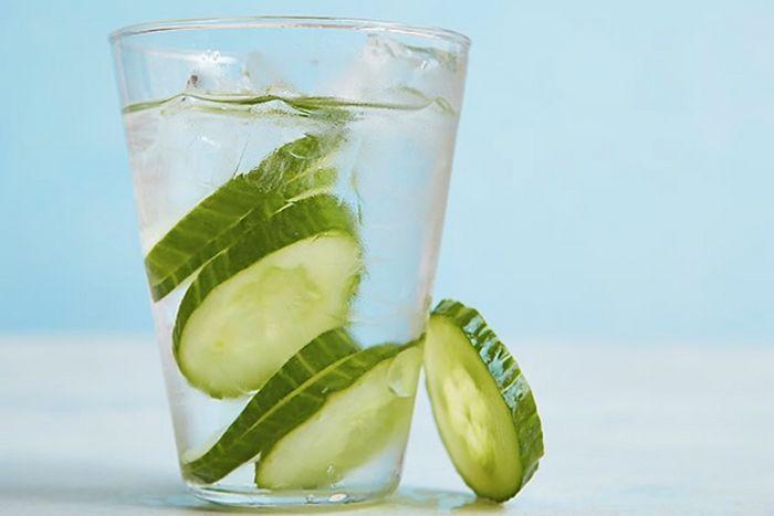 Огуречная вода для снижения аппетита и не только: несколько причин употреблять ее по утрам