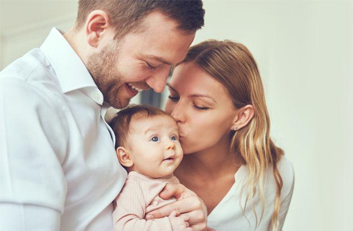 Женщины-ровесницы умнее: научные причины, почему мужчины ищут партнера моложе себя