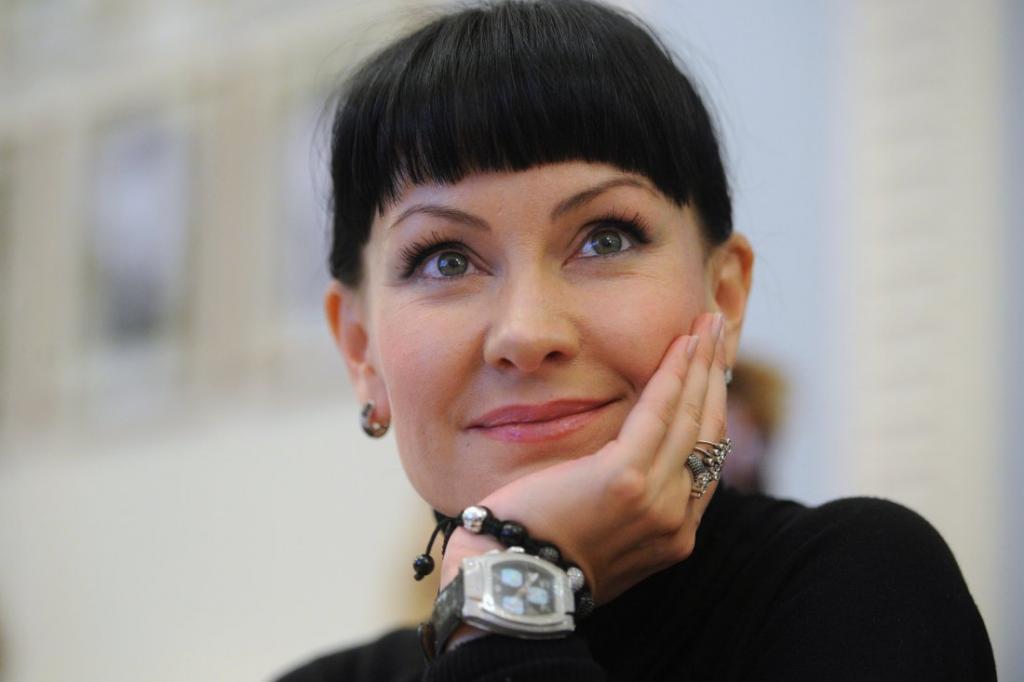 Нет ничего страшнее солнца для женского лица: правила красоты 49-летней Нонны Гришаевой