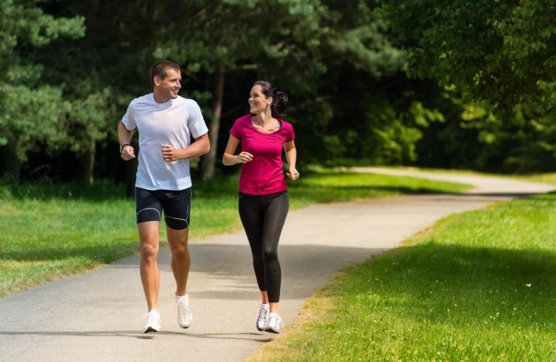 Как правильно сидеть и сколько минут бегать, чтобы стать гибким и продлить жизнь на 27 %