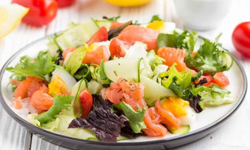 Кулинарный шедевр из овощей: как сделать салат, сохранив максимум витаминов
