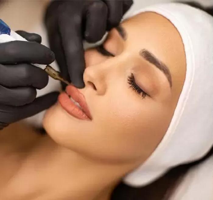 Татуаж и микроблейдинг: все, что нужно знать о перманентном макияже перед тем, как на него решиться. Ответы на 9 популярных вопросов