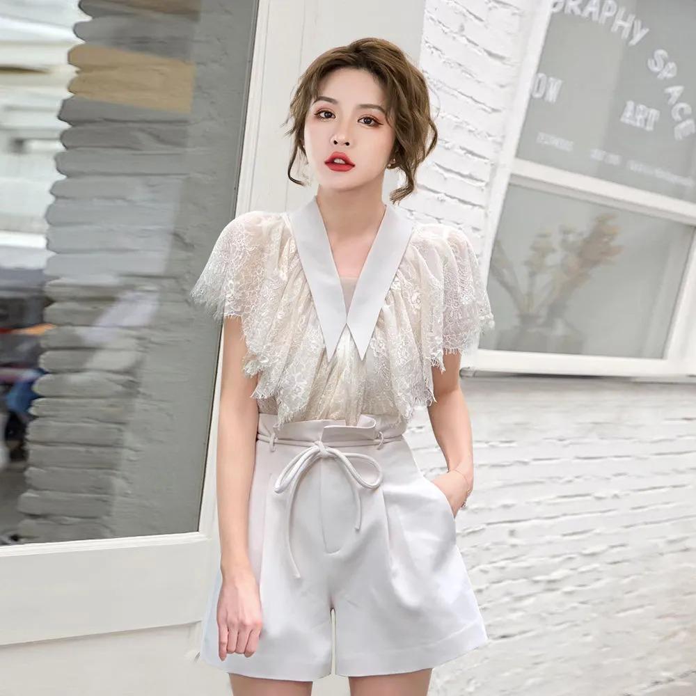 Всего две вещи, а нарядов - масса: как создавать повседневные модные образы с блузками и шортами