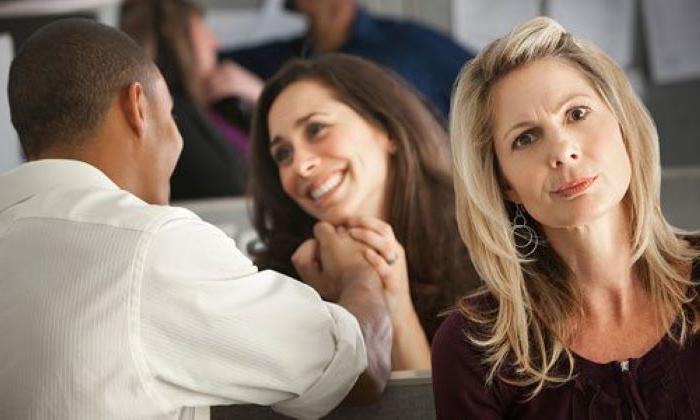 Муж ушел к другой женщине: стоит ли бороться за свое счастье (советы психолога)