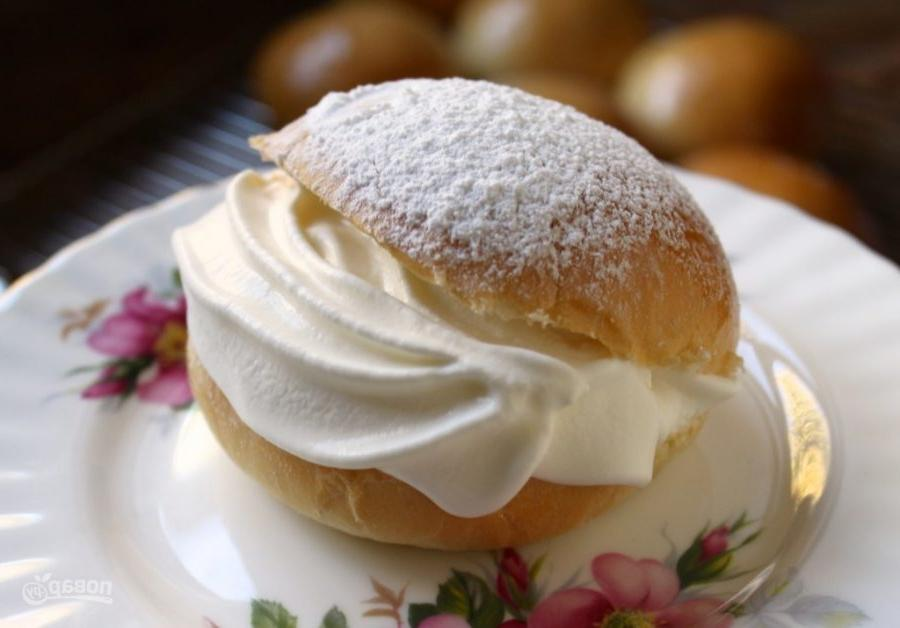Получится дополнительный десерт: что делать с остатками крема (советы от кондитера)