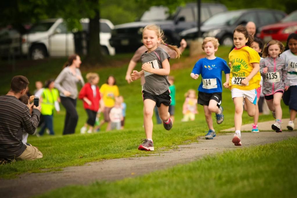 Важно гармоничное развитие: доктор Комаровский рассказал о детском спорте