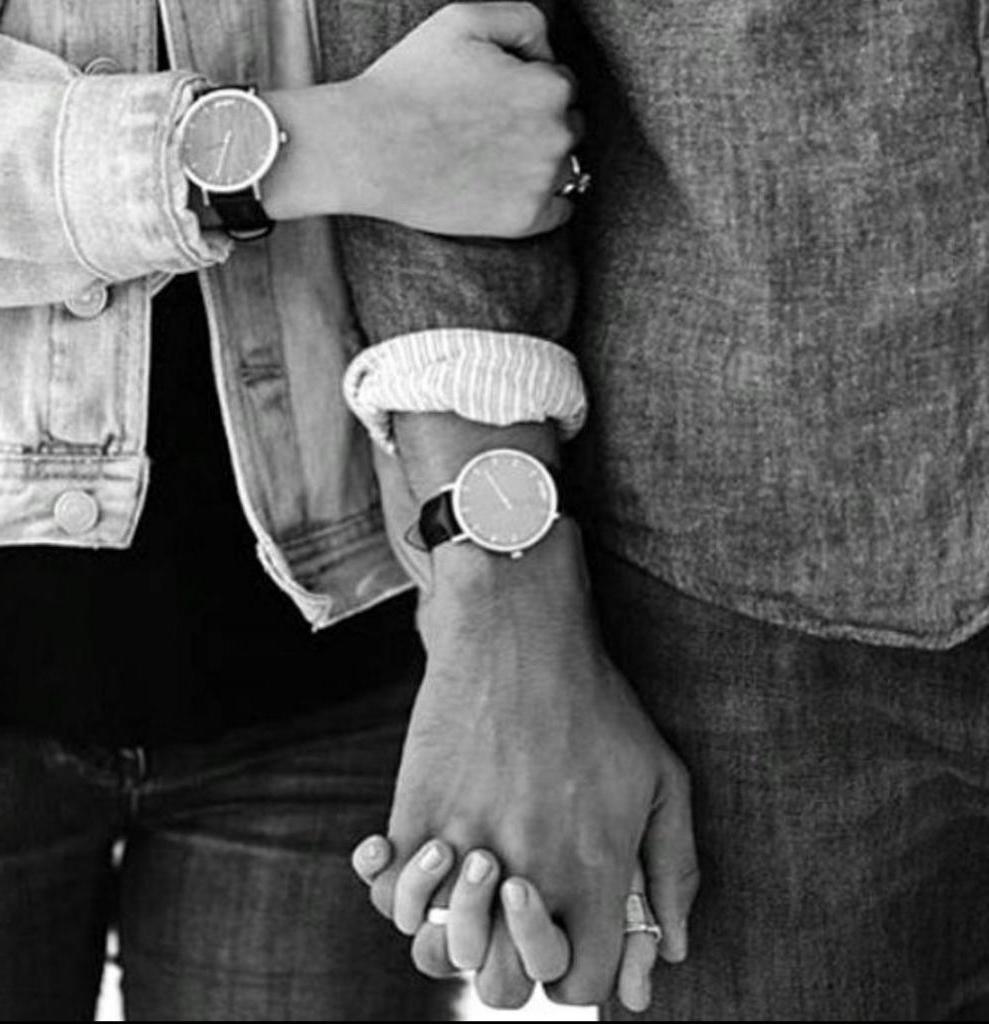 Часто держитесь за руки. Признаки того, что ваши отношения идеальны