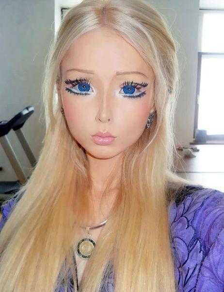 Живая кукла Барби, Валерия Лукьянова, показала, как выглядит без косметики и Фотошопа.